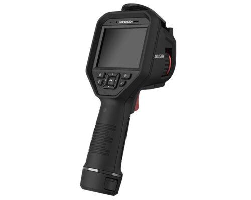 Target distance should be between 1.5-2 meters between camera and target